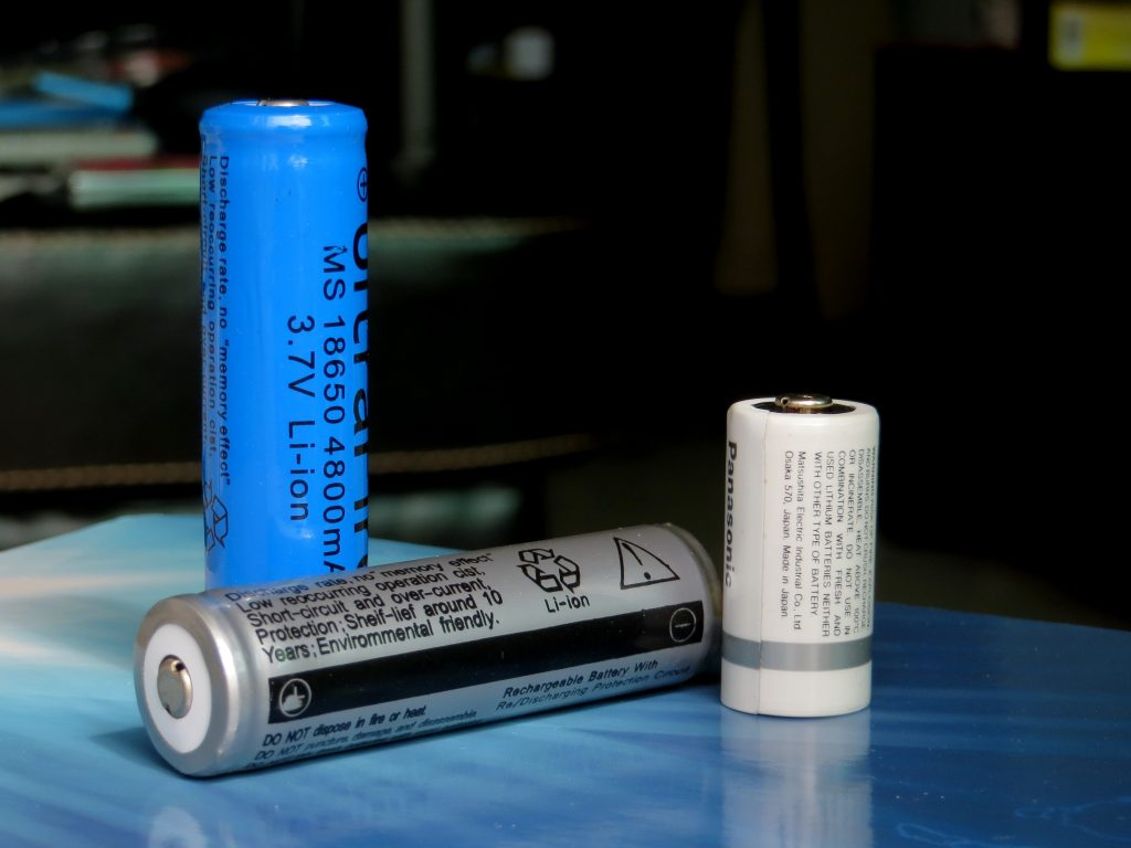 Lithium-ion_cell_(18650)
