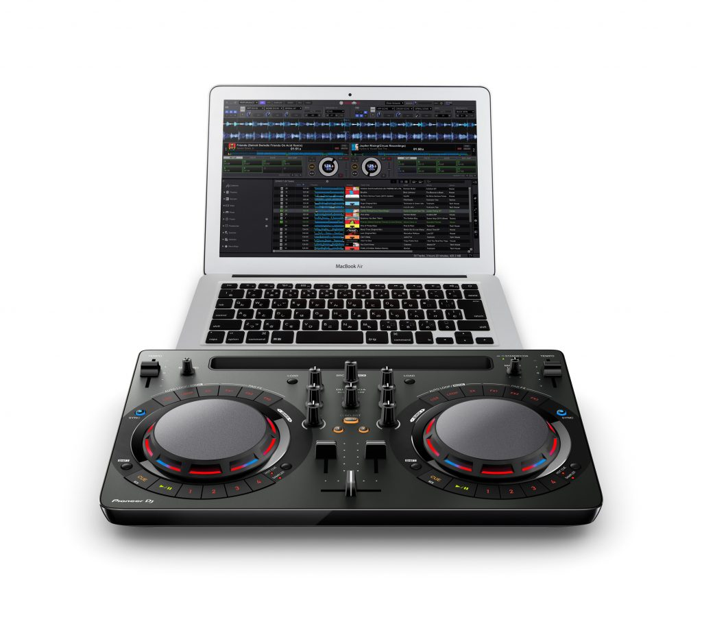 ddj-wego4_black_angle_a_set_macbookair_low_0826