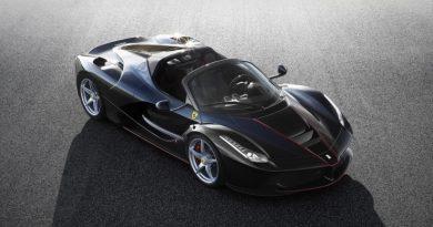 Ferrari 電動跑車